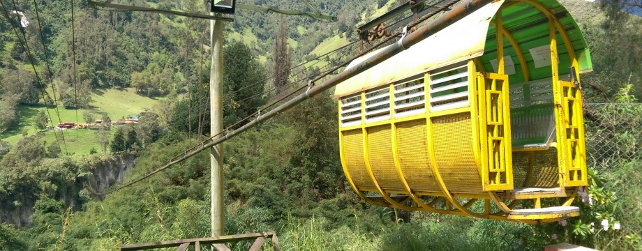 Cable car to Finca La Rivera, Combeima Canyon
