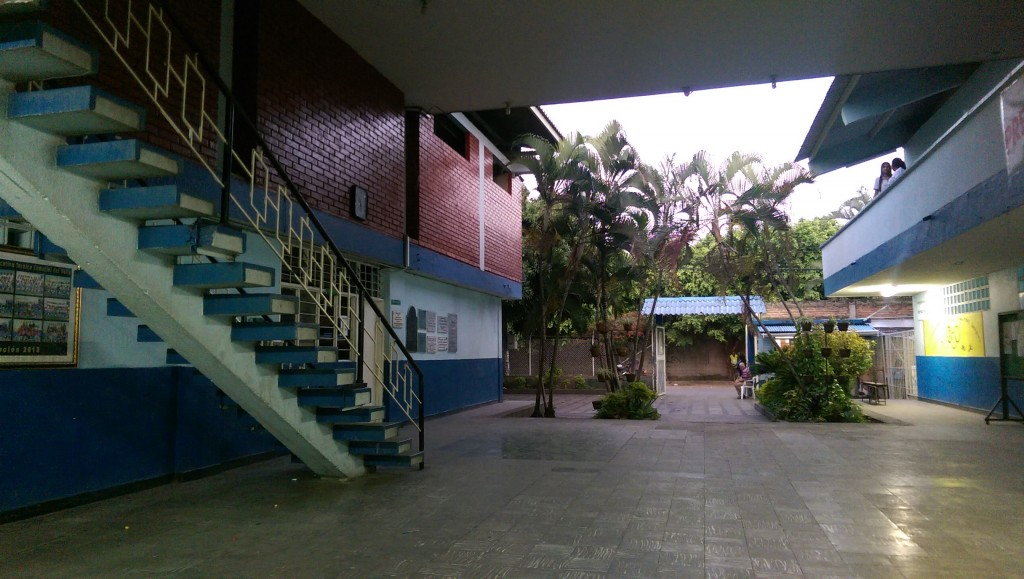 The entrance to Institucion Educativa del Valle, Palmira