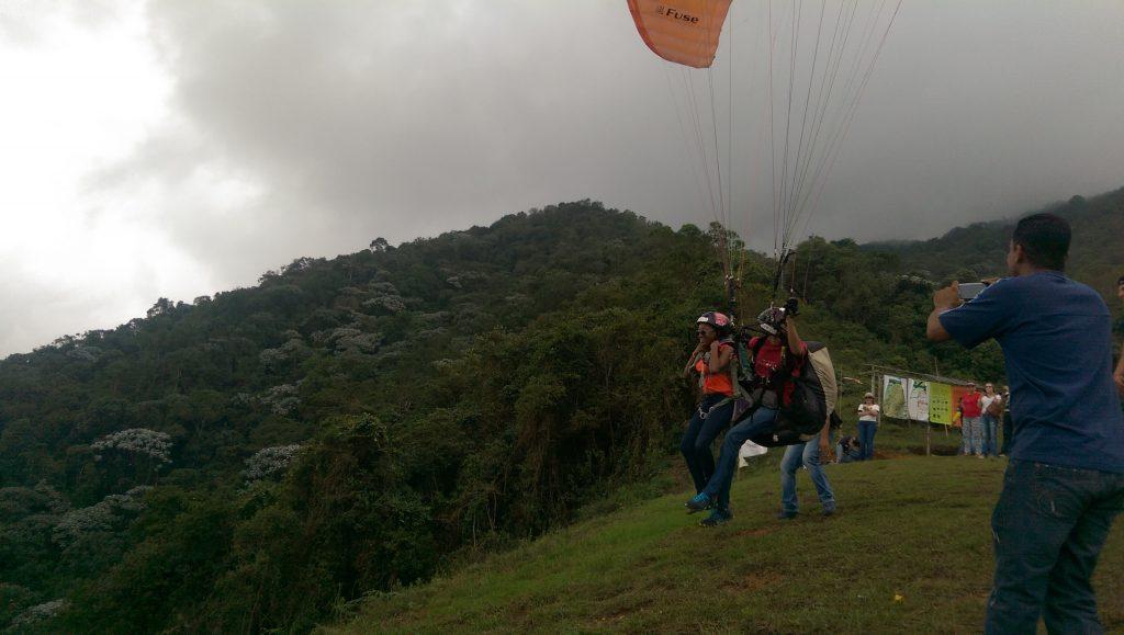 Max paragliding